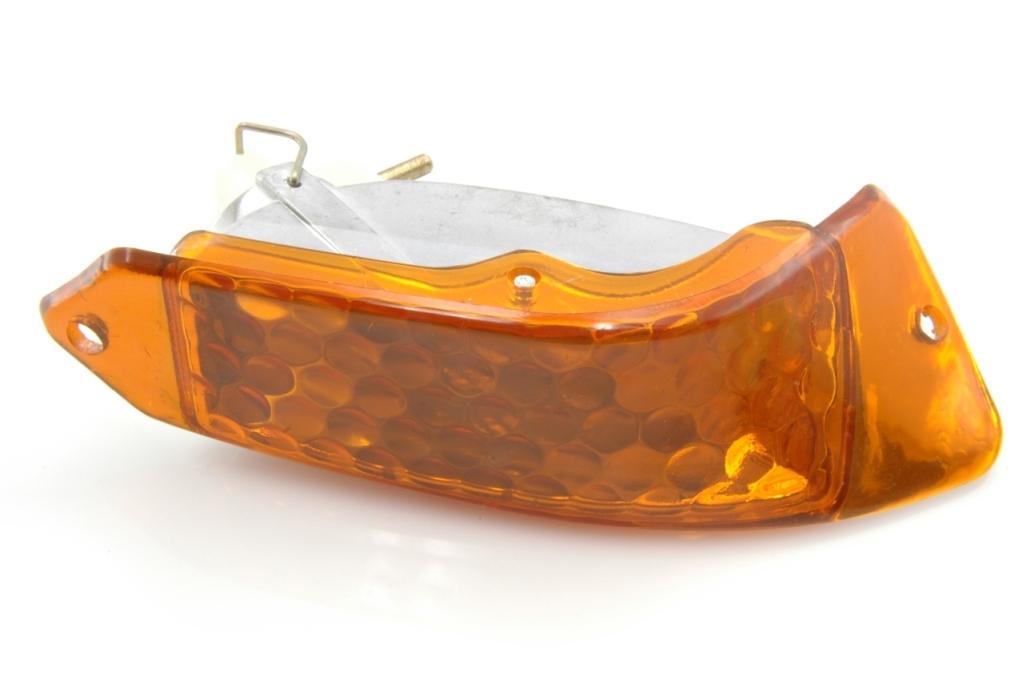 Indicateurs de direction AV, orange.